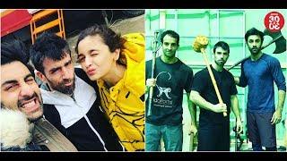 Ranbir-Alia Strike A Pose With Their Trainer | Ranbir Trains For 'Brahmastra' - ZOOMDEKHO