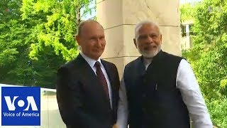 India's Modi arrives in Sochi for informal talks with Putin - VOAVIDEO