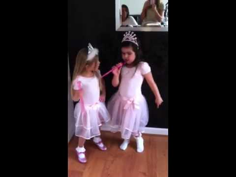 Sophia Grace Brownlee raps Super bass & Rosie Grace McClelland dances!!