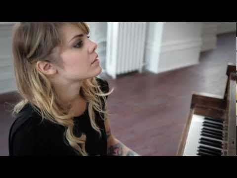 Coeur de Pirate- Wood &amp; Wires Session -VmsSvsvkDGE