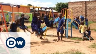 Uganda: Changing lives through books | DW News - DEUTSCHEWELLEENGLISH
