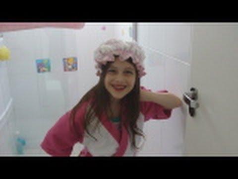 Tour pelo meu banheiro e minhas maquiagens by Julia