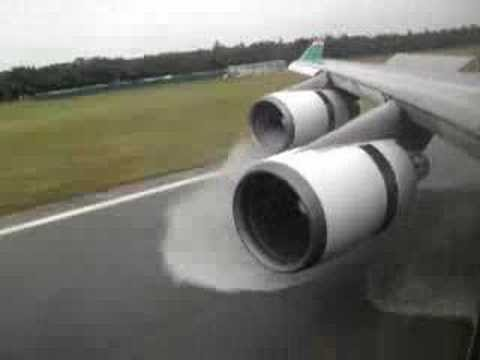 Boeing 747 400 Landing and Reverse Thrust Eva Air