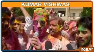 Kumar Vishwas Humorous Political Poetry Will Win Your Heart (Watch Video) - INDIATV