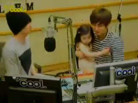 110711 Eunhyuk Leeteuk kissing the Little Girl on the lips!!