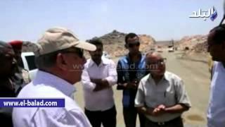 بالفيديو والصور.. محافظ أسوان يتفقد الأعمال الجارية بالطريق الدائري الشرقي