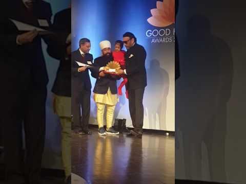 Receiving Good karma award from Bollywood Star Jackie Shroff