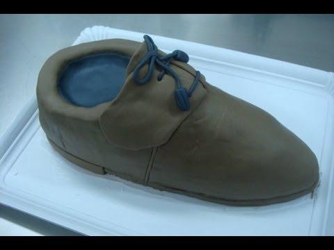 Tarta de zapato de hombre de chocolate y fondant