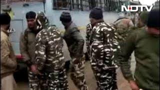 जम्मू कश्मीर में CRPF काफिले पर आतंकी हमला, 40 जवान शहीद - NDTVINDIA