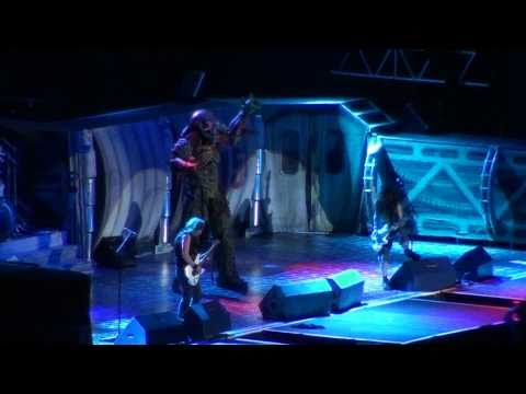 The Evil That Men Do (Con Eddie en el escenario) - Iron Maiden en Chile 10/04/2011