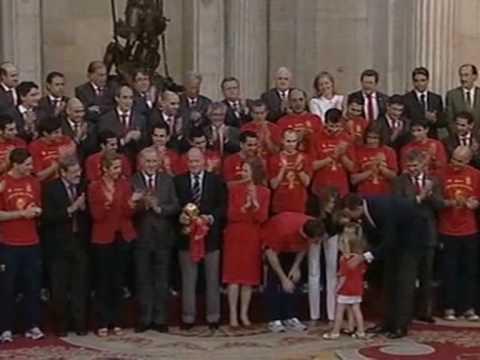 Spanske kongen takket forkjempere for verdens cup seier