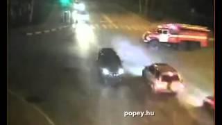 Tűzoltó és mentőautó balesetek