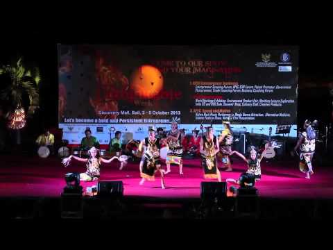 tari Kalimantan CLOSING day at APEC bali 2013