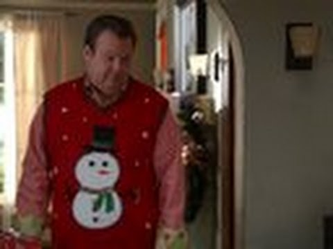 Cameron and Jay Wrap Gifts! - Modern Family