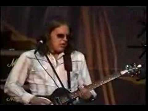 Joe Bonamassa 'Burning Hell' live