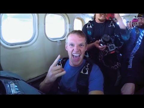 Streetbike Tommy Skydive | Remembering Roner