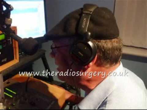 RADIO PRESENTER (DJ) TRAINING - HORACE DAY - THE CRAP DJ!