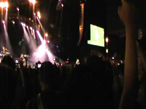 Linkin Park LIVE- 2011 Singapore Formula one concert -- Part 14
