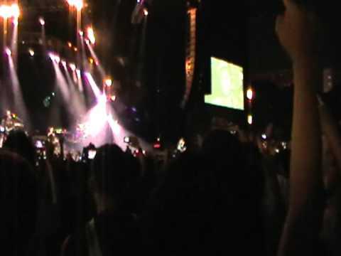 Linkin Park LIVE- 2011 Singapore Formula one concert -- Part 14