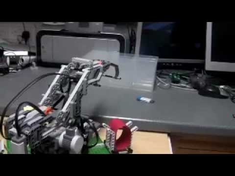 NXT Robot Arm Ball Mover