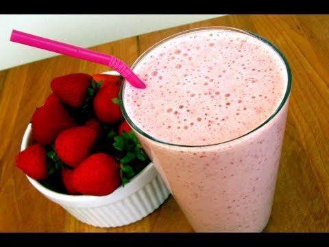 Clean Eating Strawberry-Vanilla Smoothie Recipe
