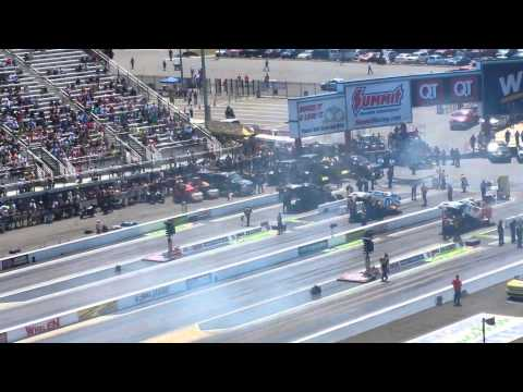 ZMAX 4wide NHRA Fuel Funny Qualifying Round 3 vid2