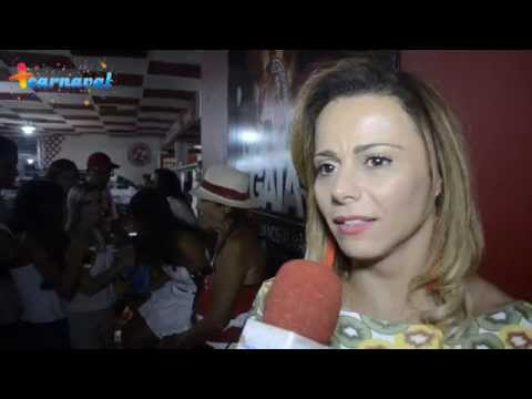 Viviane Araújo conciliará novela e o cargo de rainha de bateria do Salgueiro no Carnaval 2015
