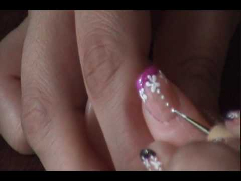 Neon Purple french tip w/ white flowers ~=~  Manicure frances morado vibrante con flores blancas...