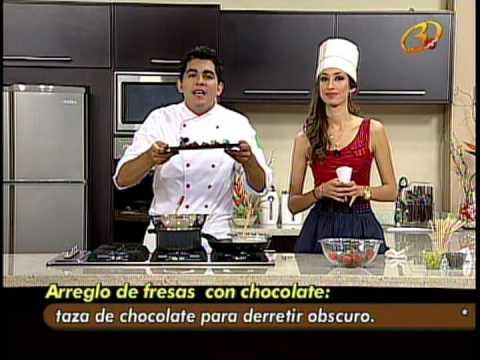 ARREGLO DE FRESAS CON CHOCOLATE