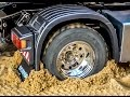 RC Scania 4x4 stuck! Rescue ACTION by Komatsu wheel loader! RC-Glashaus fun!