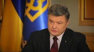 الرئيس الأوكراني: روسيا حولت شبه جزيرة القرم إلى ثكنة عسكرية