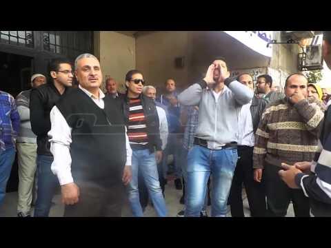 مواطن متضامناً مع معتصمى هيئة الأوقاف: الناس دى مظلومة