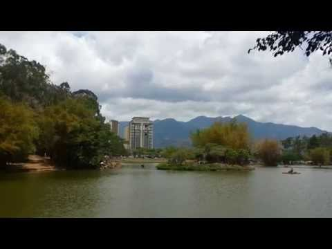 Living in San José, Costa Rica. A glimpse at life in Parque la Sabana on a Sunday. Part 1