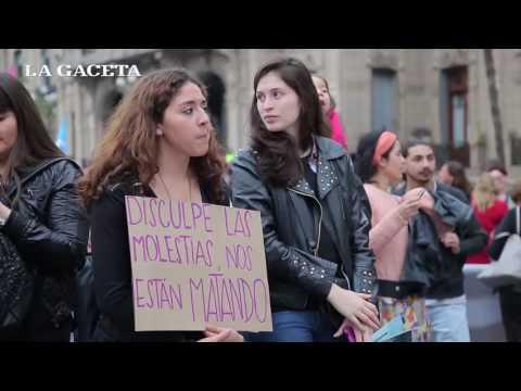 Multitudinaria marcha para repudiar la violencia de género y la desigualdad