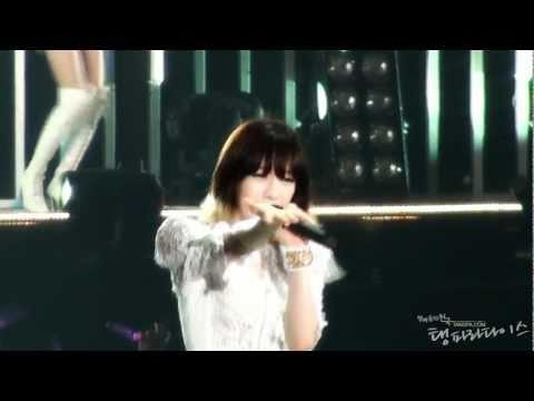SNSD 1st Japan Tour GIRLS' GENERATION - Kissing you