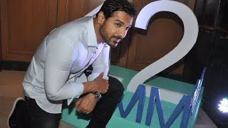 John Abraham in Mumbai Marathon - BOLLYWOODCOUNTRY