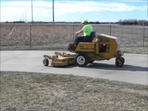 Excel Hustler 400 ZTR lawn mower for sale | sold at auction April 1, 2014