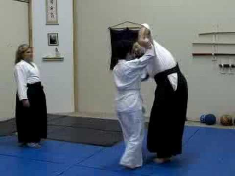 Beginner Jiuwaza - Erica extends an invitation