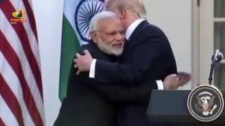 Donald Trump Surprised by a Hug From the Indian PM Modi | Mango News - MANGONEWS