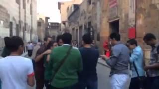 علي قنديل في الحُسين يصادف مجموعة شباب مؤيدين لحملة عايز مسرح