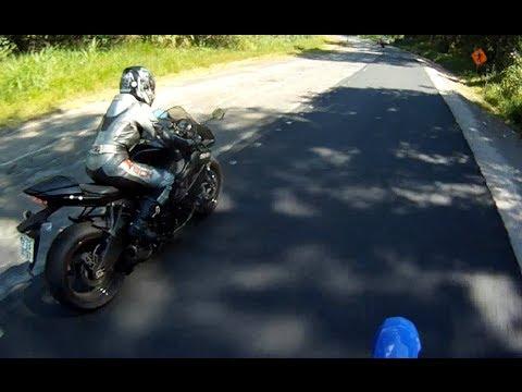 mulher pilotando ninja zx6 HD