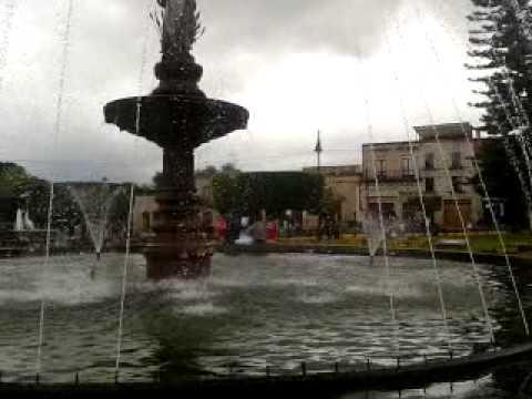 Fuente principal de la Plaza Villalongin
