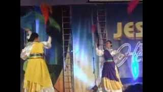 Jil 36th anniversary dance at wedding