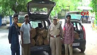 అక్రమంగా తరలిస్తున్న కలప పట్టివేత : Police Catches illegal Timber Transportation in Nirmal District - CVRNEWSOFFICIAL
