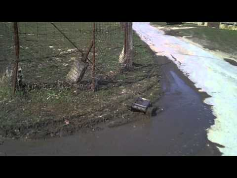 #32 Homemade RC tracked vehicle ( UGV ) - In a muddy water - J.Laci