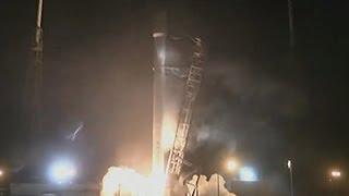 شاهد لحظة إطلاق صاروخ يحمل قمرين صناعيين