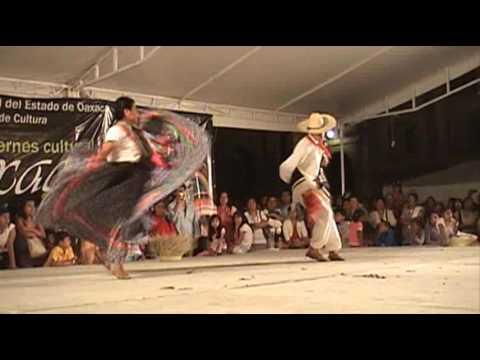 Jarabe Mixteco con el grupo Real de Antequera en el programa Oaxaca vives en mí
