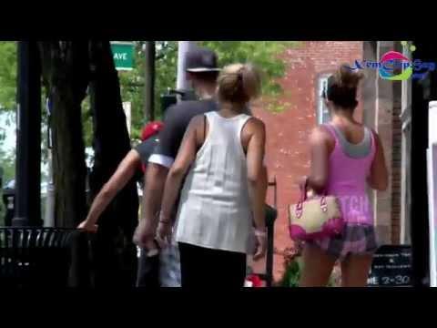Thủ dâm giữa đường phố đông người,clip.xqnb.net