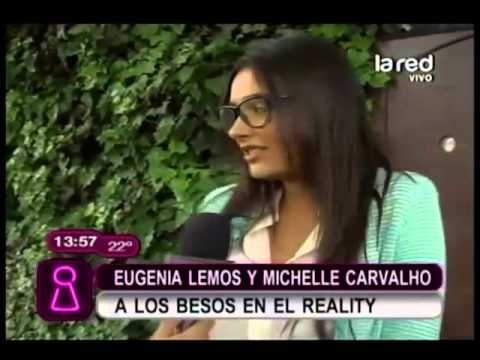 Eugenia Lemos bes a Michelle Carvalho en el reality