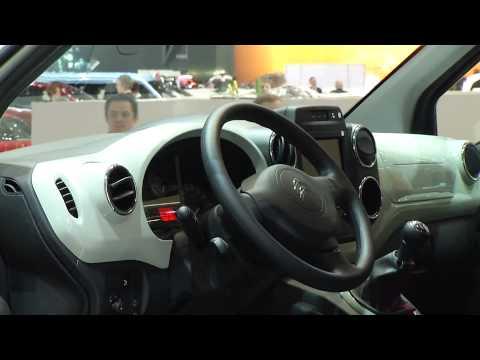 Autoperiskop.cz  – Výjimečný pohled na auta - Autosalon Ženeva 2015 – to nejzajímavější a nejhezčí včetně krásných dívek